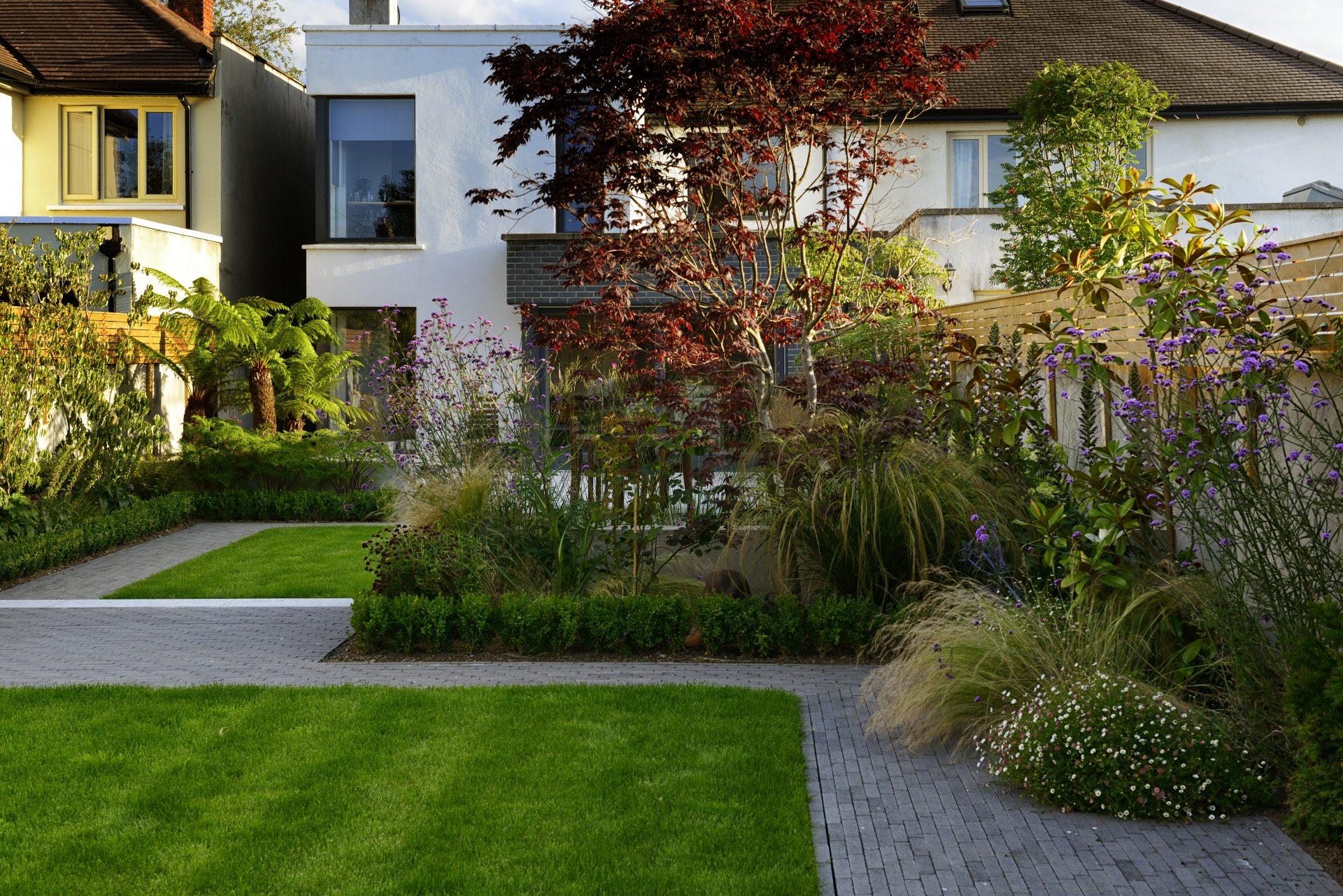 Modern Studio Garden collins avenue 45