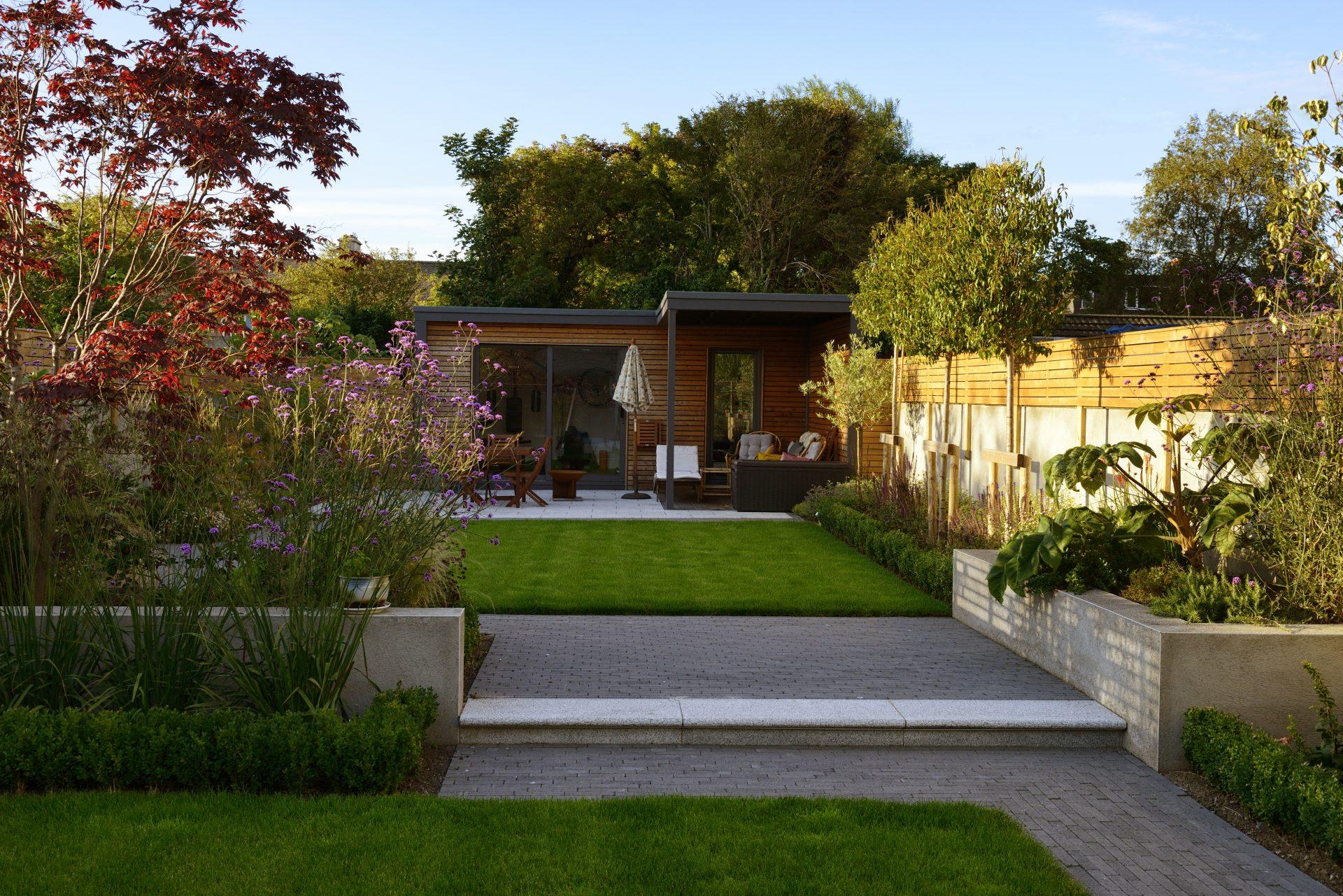 Modern Studio Garden collins avenue 48