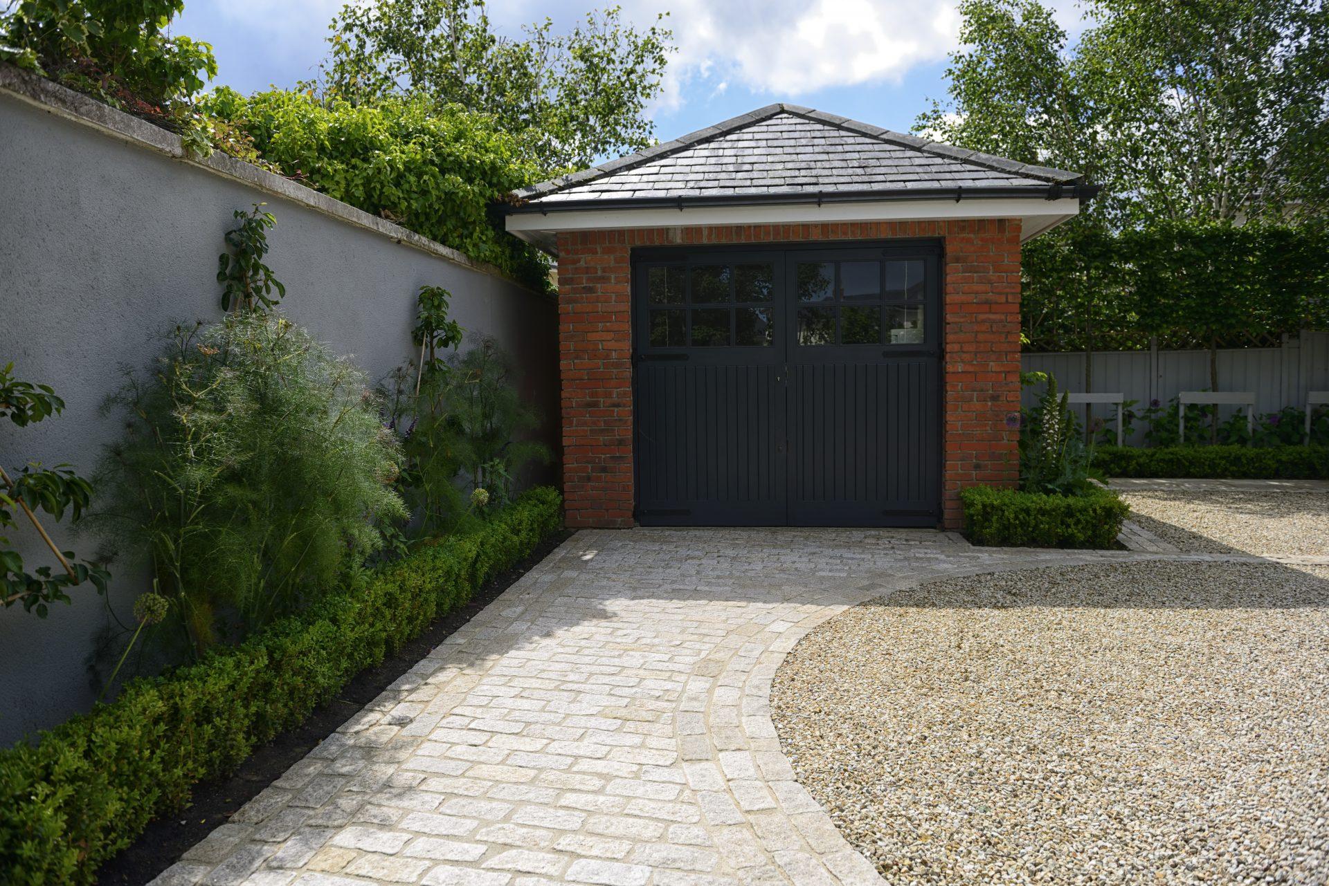 Modernist Family Garden Driveway (carrickmines) 3